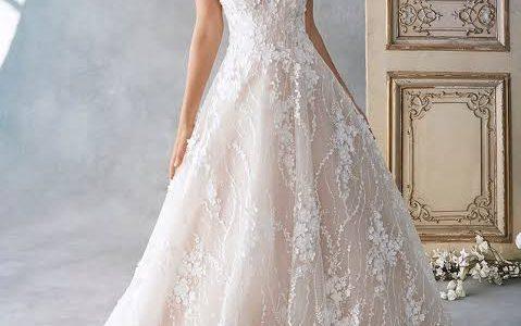 Sri Lankan Wedding Traditions & Sri Lankan Bride's Dress